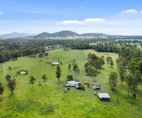 SOLD!! Superb Value  Quality Grazing Country!