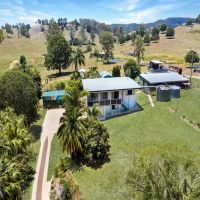UNDER OFFER!! 40 Acres on the Magnificent East side of Town!